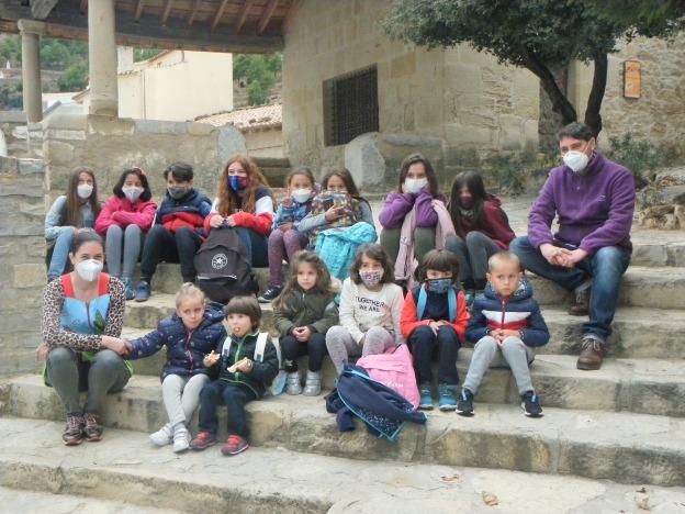 L'escola de Vistabella a les escaletes del Loreto novembre 2020 Imatge maria José Olària Ibañez